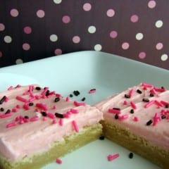 Sugar Cookie Bars from @KatrinasKitchen