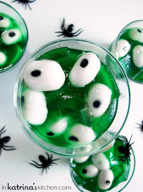 Creepy Peepers Halloween Jello | Recipe via inkatrinaskitchen.com