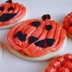 Pumpkin Carving Cookies from @KatrinasKitchen