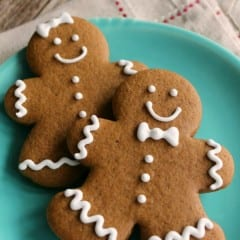 SweetSugarBelle's Favorite Gingerbread Recipe inkatrinaskitchen... #BringtheCOOKIES
