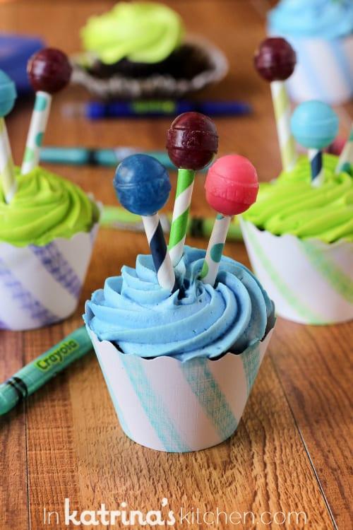 Decorating Cupcakes with Kids   Tips on inkatrinaskitchen.com