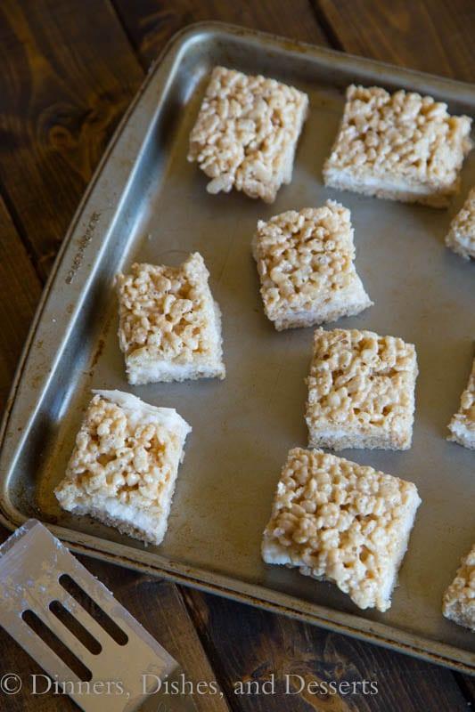 Pumpkin-Cake-Rice-Krispie-Treats-2