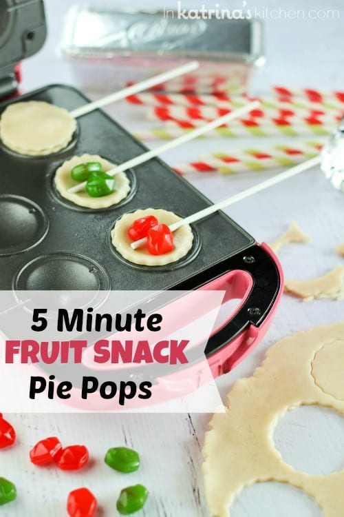 5 Minute Fruit Snack Pie Pops- kids will LOVE this and you can use leftover pie crust! #Crisco #PerfectPies