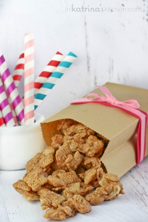 Cinnamon Cereal Toffee Crunch Recipe - totally addictive sweet snack my friends and family go crazy for!