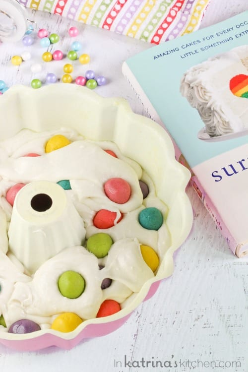 Surprise Inside Dotty Cake tutorial