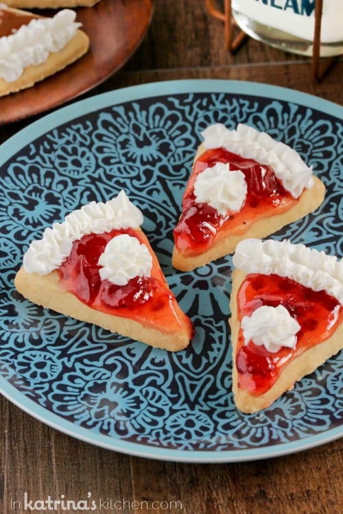 Strawberry Pie Slice Cookies - adorable cookies simply decorated!