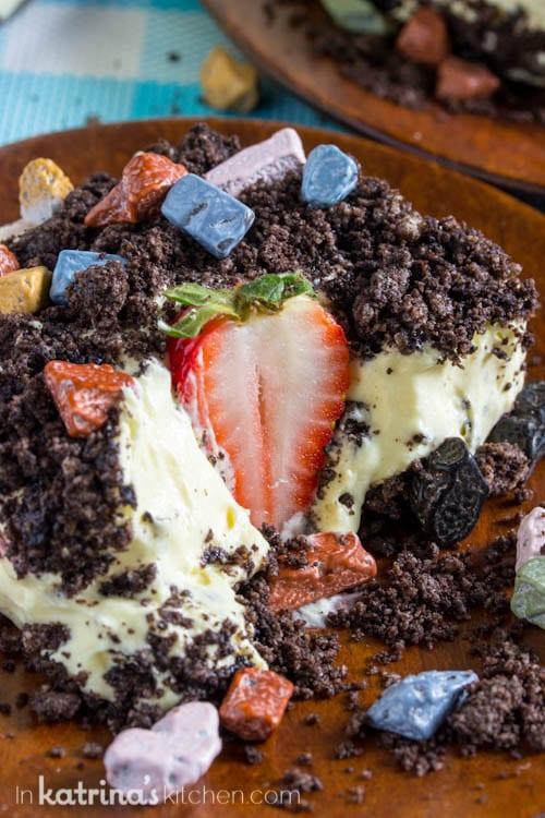Fresh Strawberry Dirt Cake Recipe
